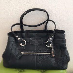 Coach LG Blk Penelope Shoulder purse